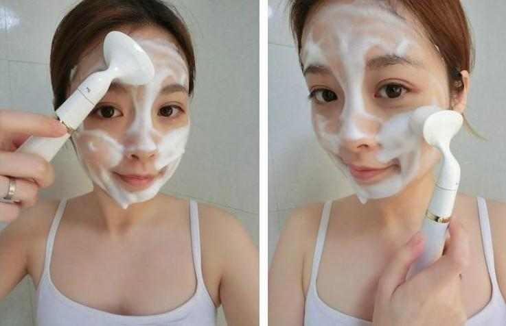 PAYA POBLING CLEANSER Removes makeup